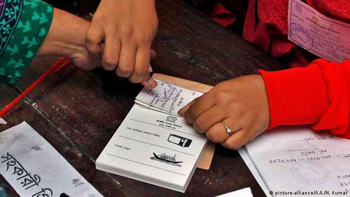 Bangladesch Wahlen 2013 (picture-alliance/A.A./N. Kumar)