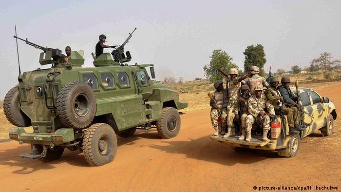 Nigeria Armee rettet Mädchen Symbolbild