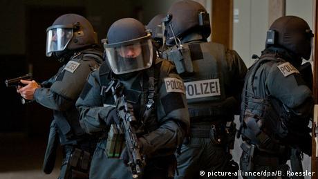 """Σύλληψη ύποπτου υπεύθυνου της νεοναζιστικής """"NSU 2.0"""""""