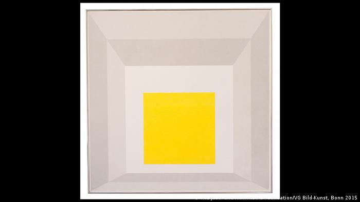 Yellow square painted on gray giving a three-dimensional perspective (The Josef and Anni Albers Foundation/VG Bild-Kunst, Bonn 2015)