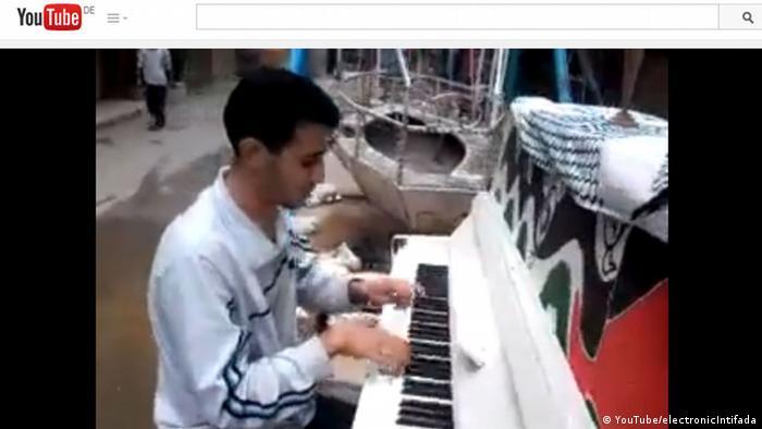 Screenshot YouTube of Syrian pianist Aeham Ahmad (YouTube/electronicIntifada)