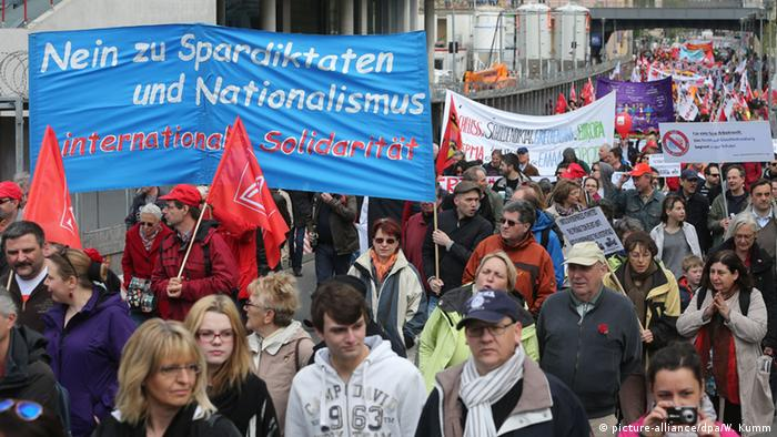 May 1st demonstration in Berlin (Photo: picture-alliance/dpa/W. Kumm)