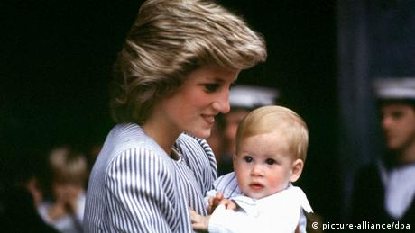 Prince Harry as a baby (picture-alliance/dpa)