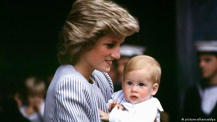Bildergalerie Royale Babies Großbritannien Prinz Harry