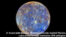 28. April 2015 An image of the planet Mercury produced by NASA'S MErcury Surface, Space ENvironment, GEochemistry, and Ranging, or MESSENGER probe is seen in an undated picture released April 16, 2015. These colors are not what Mercury would look like to the human eye, but rather the colors enhance the chemical, mineralogical, and physical differences between the rocks that make up Mercury's surface, according to NASA. The MESSENGER spacecraft that made surprising discoveries of ice and other materials on Mercury will make a crash landing into the planet around April 30, scientists said on Thursday. REUTERS/NASA/Johns Hopkins University Applied Physics Laboratory/Carnegie Institution of Washington/Handout THIS IMAGE HAS BEEN SUPPLIED BY A THIRD PARTY. IT IS DISTRIBUTED, EXACTLY AS RECEIVED BY REUTERS, AS A SERVICE TO CLIENTS. FOR EDITORIAL USE ONLY. NOT FOR SALE FOR MARKETING OR ADVERTISING CAMPAIGNS