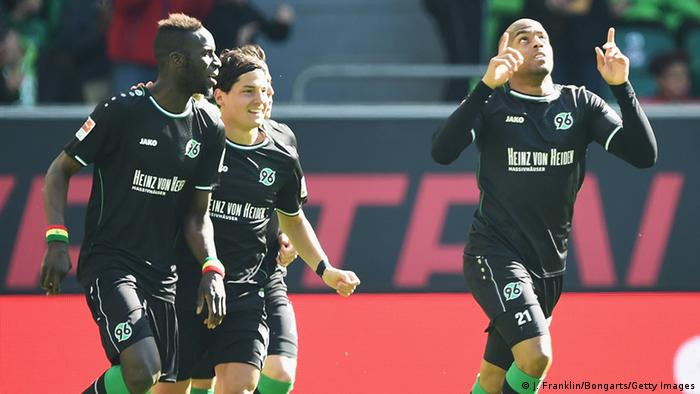 Fußball Bundesliga Wolfsburg vs Hannover Jubel (Photo by Stuart Franklin/Bongarts/Getty Images)