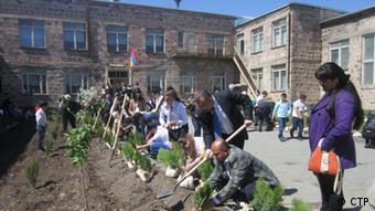 Photo: Village school garden Jrahovit (Source: новый размер)