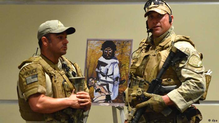 Polícia do Texas mata atiradores em exposição de caricaturas de Maomé