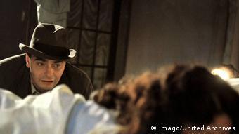 Film still 'The Stationmaster's Wife' with Kurt Raab