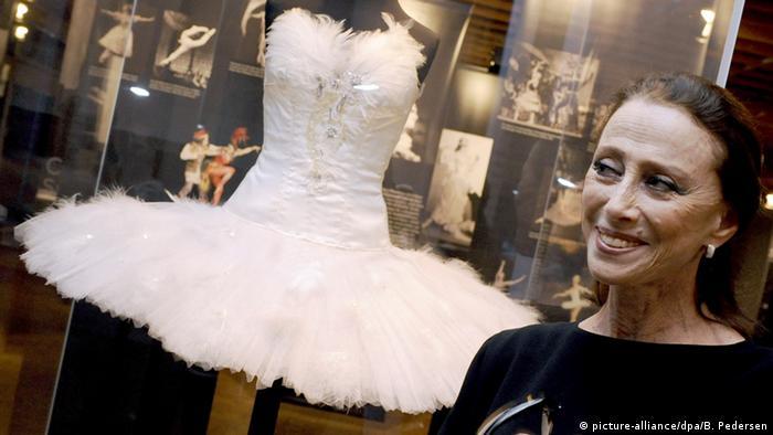 Майя Плисецкая на открытии посвященной ей выставки в Берлине