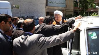 رفسنجانی پس از حمله دانشجویان بسیجی در دانشگاه امیر کبیر