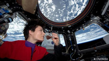Samantha Cristoforetti drinking the first espresso brewed freshly in space