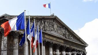 Έντονη η διάθεση αλληλεγγύης στους κόλπους των γάλλων σοσιαλιστών