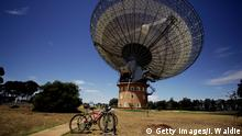 Parkes Observatory radio telescope Australien (Getty Images/I. Waldie)