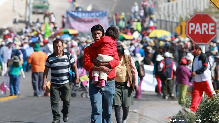 Peru Proteste gegen Kupfertagebau Projekt Tia Maria