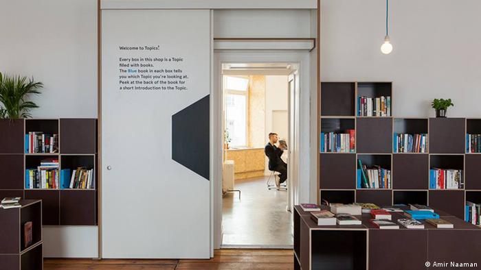 Topics bookstore Neukölln