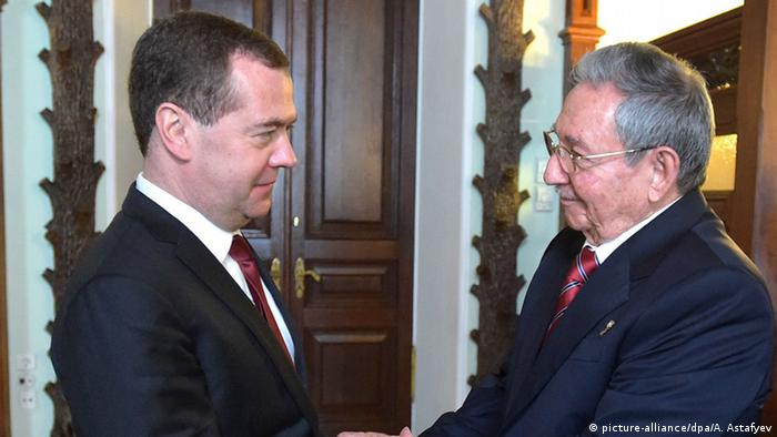 Raul Castro bei Medwedew in Russland