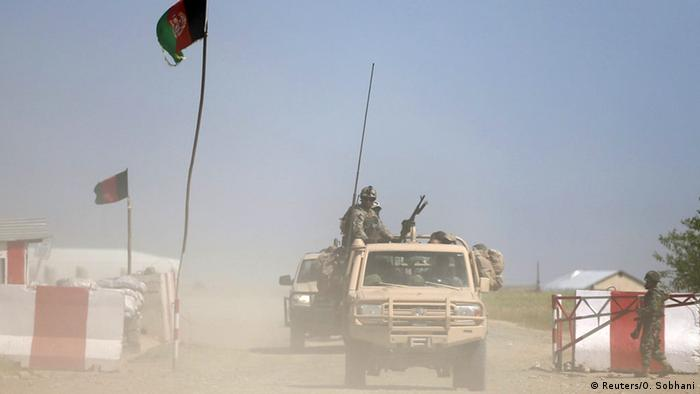 Afghan soldiers fight the Taliban in Kunduz