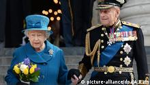 Queen Elizabeth and Prince Philip in 2015 (picture-alliance/dpa/A.Rain)