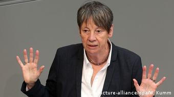 Bundesumweltministerin Barbara Hendricks bei Fracking-Debatte im Bundestag