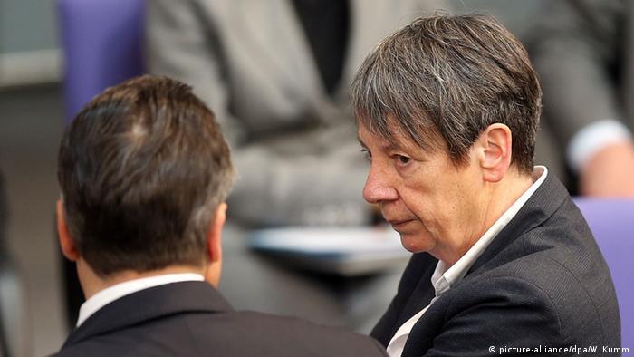 Bundesumweltministerin Barbara Hendricks und der SPD-Vorsitzende Sigmar Gabriel (Foto: picture-alliance/dpa/W. Kumm)