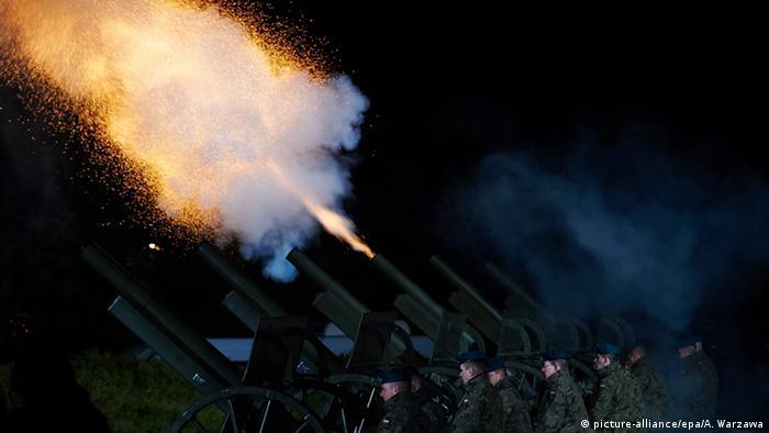 Залп артиллерии в день 70-летней годовщины начала Второй мировой войны в Польше