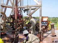 Extracción de petróleo de Exxon en el Chad, África.