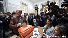 (150510) -- MONTEVIDEO, May 10, 2015 -- The Senator and candidate to Mayor of Montevideo by the ruling left side Wide Front, Daniel Martinez (L, front), casts his vote in a polling station located in a school, in Montevideo, Uruguay, on May 10, 2015. Uruguay holds elections on Sunday to renew 19 departmental governments in what promises to be a hard bid between the FA and the opposition National Party. ) URUGUAY-MONTEVIDEO-POLITICS-ELECTIONS NICOLASxCELAYA PUBLICATIONxNOTxINxCHN 150 510 Montevideo May 10 2015 The Senator and Candidate to Mayor of Montevideo by The ruling left Side Wide Front Daniel Martinez l Front casts His VOTE in a Polling Station Located in a School in Montevideo Uruguay ON May 10 2015 Uruguay holds Elections ON Sunday to Renew 19 departmental Governments in What Promises to Be a Hard BID between The Fa and The Opposition National Party Uruguay Montevideo POLITICS Elections NicolasxCelaya PUBLICATIONxNOTxINxCHN