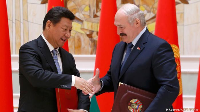 Weißrussland Xi Jinping und Alexander Lukaschenko in Minsk