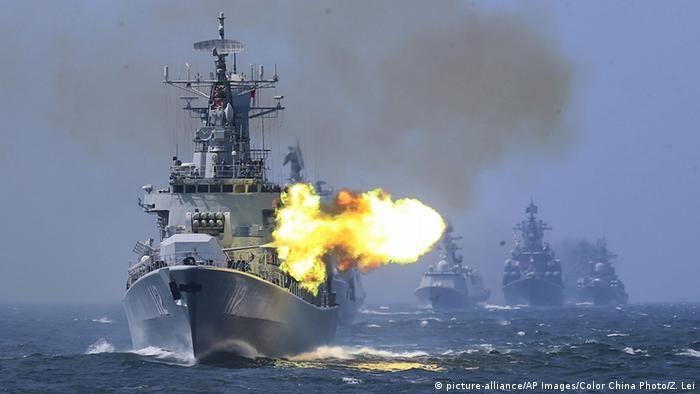Китайский военный корабль во время совместных учений с российским ВМФ (фото из архива)