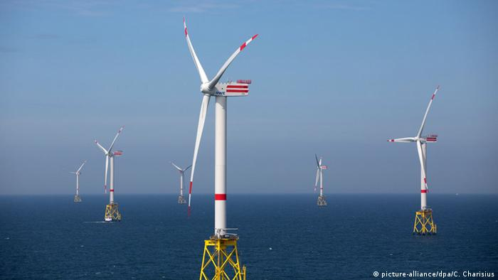 Windpark Nordsee Ost (picture-alliance/dpa/C. Charisius)