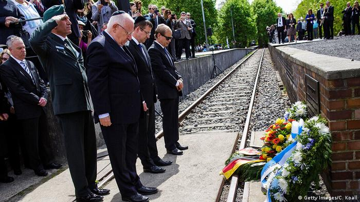 Israels Präsident Reuven Rivlin legt in Berlin Kranz an Gedenkstätte Gleis 17 nieder (foto: Getty Images)