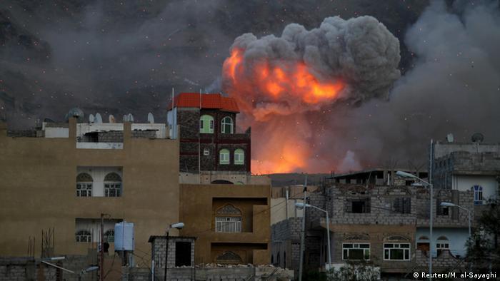 Jemen Kämpfe in Sanaa - Explosion Waffenlager