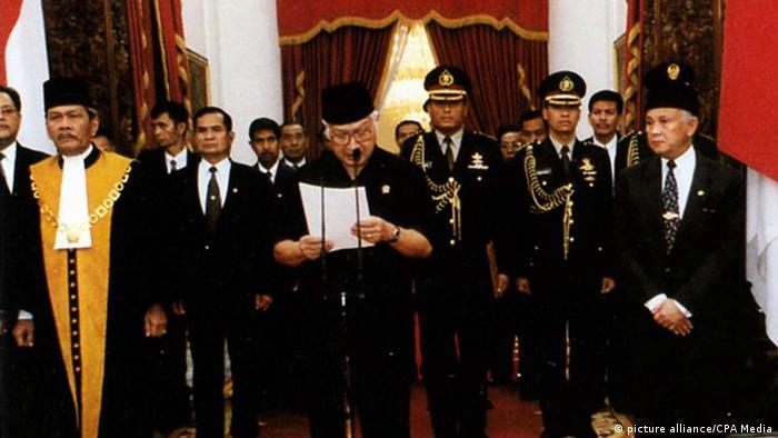 Indonesien Studentenproteste 1998 Suharto Rücktritt