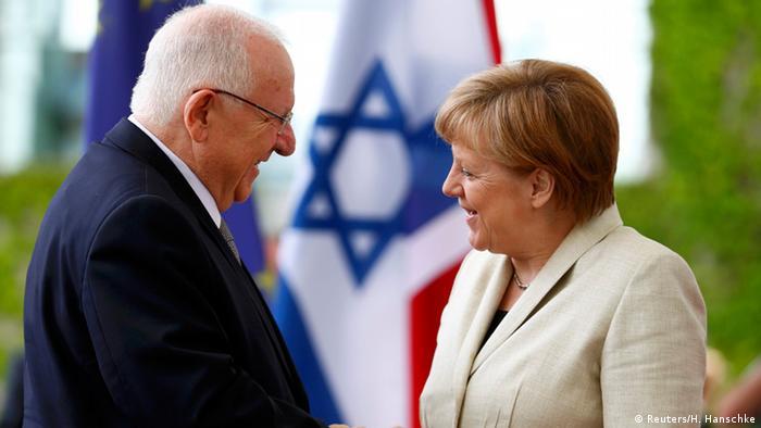 Angela Merkel podczas spotkania z prezydentem Izraela Reuvenem Rivlinem.
