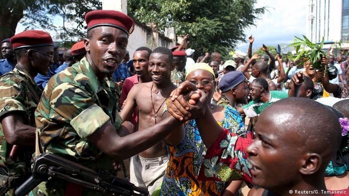 Burundi Jubel nach dem Putsch auf den Straßen von Bujumbura