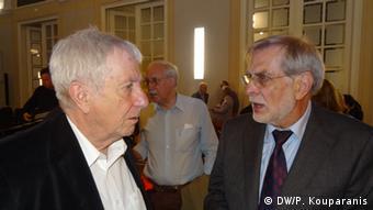 Ο βουλευτής Β. Γκέρκε με τον ομότιμο καθηγητή Χ. Φλάισερ (δ)