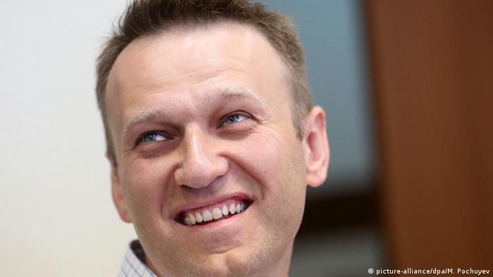 Навальный: В РФ люди боятся, что если они выйдут на улицы - их расстреляют