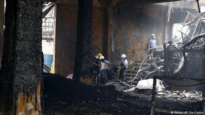 Mindestens 72 Tote nach Feuer in Schuhfabrik auf Philippinen