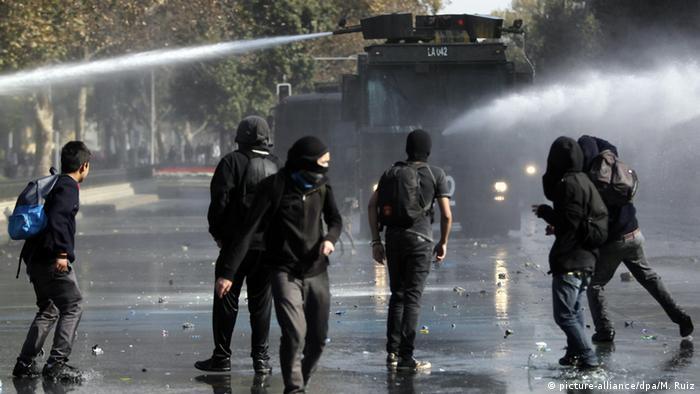Chile Ausschreitungen bei Demonstration Bildungspolitik