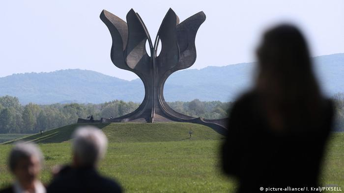 Memorial at the Jasenovac concentration camp (picture-alliance/ I. Kralj/PIXSELL)
