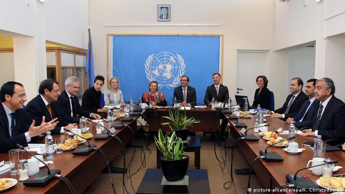 Zypern Gespräche unter UN Vermittlung (picture-alliance/epa/K. Christodoulou)