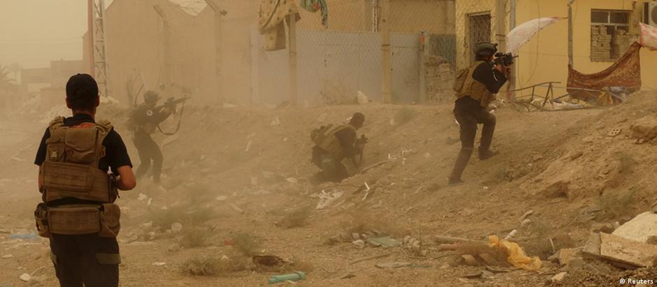 Forças de segurança iraquianas tentam defender suas posições em Ramadi