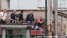 Neapel Mann erschießt Menschen vom Balkon