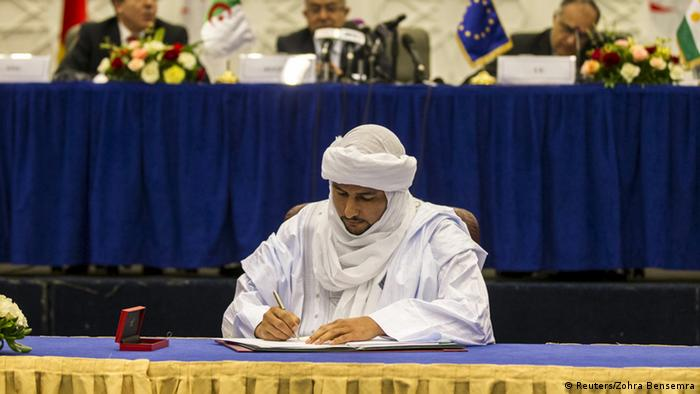 Bilal Ag Achérif, un des responsables de la CMA lors de la signature de l'accord préliminaire à Alger (14.05.2015)