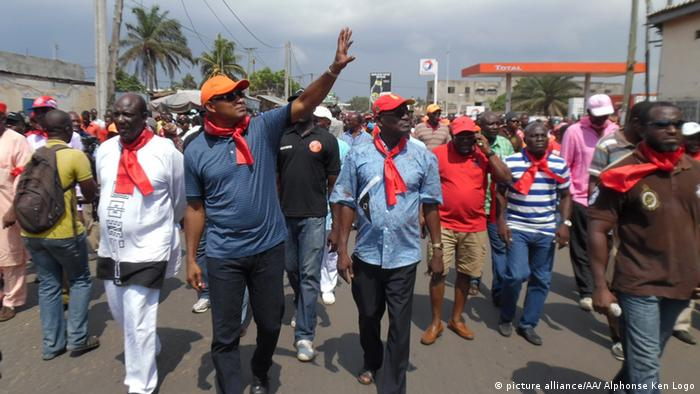 Proteste in Togo gegen Präsident Gnassingbe (Archivfoto, Dezember 2014, dpa)