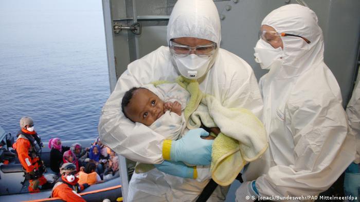 Deutsche Soldaten retten erneut Flüchtlinge im Mittelmeer