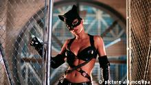 CATWOMAN / USA 2004 / Pitof Patience Philips (HALLE BERRY) #   rights=ED