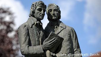 Deutschland Denkmal der Brüder Grimm in Kassel