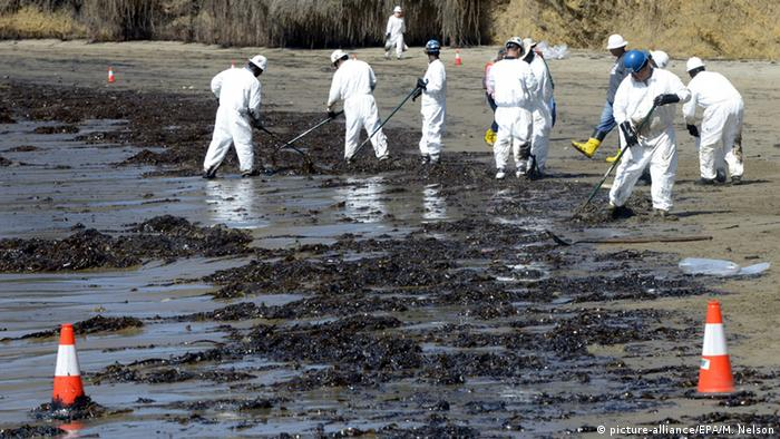 Oil slick outside Santa Barbara following leak in pipeline